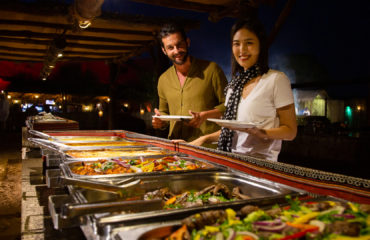 Desert Safari 4x4 Dubai Buffet